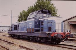 Photo Diapo Diapositive Slide Train Wagon Locomotive Diesel SNCF 66293 à Montargis Le 11/09/1996 VOIR ZOOM - Dias