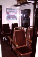 Photo Diapo Diapositive Slide Train Intérieur Wagon SNCF De 1ère Cl Banlieue Z5300 Le 16/02/1994 Panneau PUB VOIR ZOOM - Dias