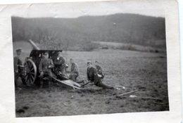 Photo De Soldat Allemand Installent Leurs Canon En 1944 - Krieg, Militär