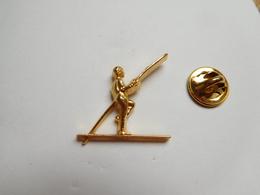 Superbe Pin's En Relief , équilibriste Sur Un Fil , Balancier , Signé Duseaux - Pin's & Anstecknadeln