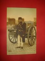 N°0949. WWI. CARTE BELGE ILLUSTRANT L'ARTILLERIE DE CAMPAGNE BELGE. ARTILLEUR EN TENUE DE ROUTE. - Guerre 1914-18