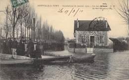 """CPA FRANCE 94 """"Joinville Le Pont, La Rue Du Port"""" / INONDATIONS 1910 - Joinville Le Pont"""