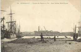 BORDEAUX  Entrée Des Bassins à Flot  Les Halles Métalliques RV - Bordeaux