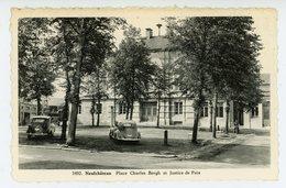 Neufchâteau - Place Charles Bergh Et Justice De Paix - Neufchâteau