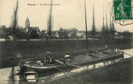 """Noyen Sur Sarthe - Un Coin Sur Le Canal - Péniche """" HUBERT à Brissarthe """" Barge Chaland Batellerie Péniches - Animation - France"""