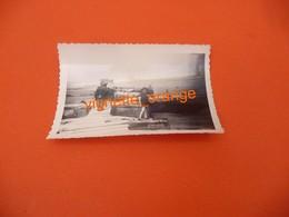 PHOTOGRAPHIE ORIGINALE COLLECTION ALBUM - Datée - Situé Sur La Plage Du Débarquement En Normandie - Plaatsen