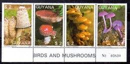 Guayana Series Completa N ºYvert 1769ME/MH ** SETAS (MUSHROOM) - Guyana (1966-...)