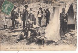LOURDES Un Groupe De Bohémiens, Montreur D'Ours - Lourdes