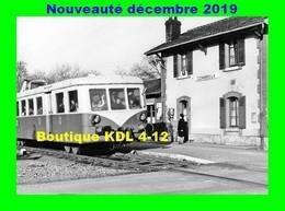 AL PR 08 - La Gérante Reçoit Un Autorail 150 CV En Gare - COMBREUX - Loiret - SNCF - France