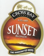 CROSS BAY BREWERY  (MORECAMBE, ENGLAND) - SUNSET BLONDE - PUMP CLIP FRONT - Letreros