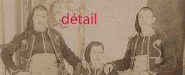 ALGERIE-Grande CDV (Cabinet) Groupe De Zouaves Vers 1890-photographe JOLY Rue Bugeaud à Bône - Guerre, Militaire