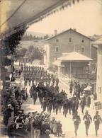 J38 - Photo Originale - 14 Juillet 1911 - Défilé Des Troupes Aux Rousses - Jura - Oorlog, Militair
