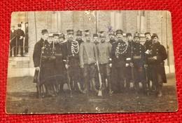 MILITARIA  -  Groupe De Volontaires De Guerre  1914-1918 Et 2 Uhlans - Régiments