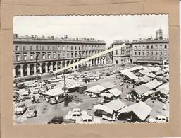 Dept 31 : ( Haute Garonne ) Toulouse, La Place Du Capitole, La Ville Rose, Les Arcades, Le Marché. - Toulouse