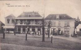252712Texel, Marktplein Met Hotels, Den Burg.( Vouwen Zie Achterkant) - Texel