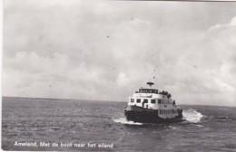 252736Ameland, Met De Boot Naar Het Eiland.(FOTO KAART)(zie Achterkant) - Ameland