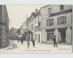 85 LUCON ... La Rue De La Roche (Artaud Nozais 18) Antoine Mercerie. - Lucon