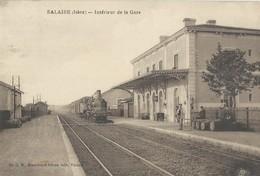 Salaise   Gare Avec Train - Autres Communes