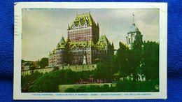 Chateau Frontenac Bureau De Poste Et Remparts Quebec Canada - Quebec