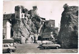 FR-4096   ROQUEBRUN-VILLAGE : La Place Centrale Et Le Vieux Chateau - Roquebrune-Cap-Martin