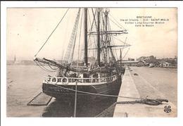SAINT-MALO.  Cpa.  - Voilier Long Courrier Breton, Dans Le Bassin.  (scans Recto-verso) - Saint Malo