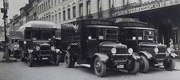 Camions Minerva Dans Une Rue  De Bruxelles    -  15x10 PHOTO - Camions & Poids Lourds