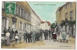 CPA 86 CHAUNAY La Grande Rue - France