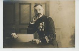TOULON - MILITARIA - REGIMENTS - Belle Carte Photo Militaire Officier Avec Médailles Photographié Par AMERICAN PHOTO - Toulon