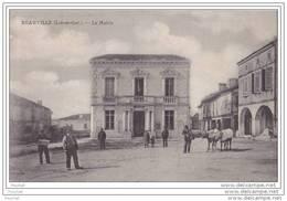 47) Beauville.- (Lot Et Garonne)  La  Mairie   - (animée - Boeufs) - France