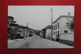 24503   CPA  SALMAGNE  :  Rue Jeanne D' Arc , Vue Prise à La Hauteur De L'Eglise !!  Carte Photo  !! - Andere Gemeenten