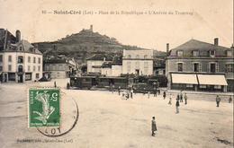 D46  SAINT CÉRÉ  Place De La République L'Arrivée Du Tramway - Saint-Céré