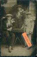 Conscrits ?carte Photo D'une Famille De Soufflenheim  Lire Sur La Tenue Gauche 1928  Belle Phot. Véritable à Localiser - Autres