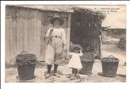 CHATELAILLON. Cpa. - Pêcheuses De Moules   (scans Recto-verso) - Châtelaillon-Plage