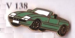 V138  Pin's  BMW Cabriolet  Verte Qualité EGF Signée BMW 21 Au Dos Achat Immédiat - BMW