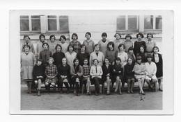 37   CARTE PHOTO TOURS ECOLE RABELAIS 1930 1ERE CLASSE MADAME  BIARDEAU  BON ETAT 2 SCANS - Tours
