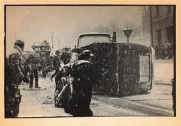 GDANSK POLOGNE EMEUTES DU 15 DECEMBRE 1981 UN CAMION DE LA MILICE RENVERSE - Evènements