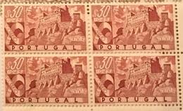 """POR#4748-Block Of 4 MNH Stamps Of 30 Centavos - """"Castelos De Portugal - Castelo De Leiria"""" - Portugal - 1946 - Blocchi & Foglietti"""