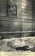EGLISE DE LA MADELEINE BOMBARDEE PAR CANONS (Fete Dieu 30 Mai 1918) RV - Chiese