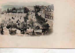 Concarneau -  La  Place   D' Armes  Et  Le  Port. - Concarneau