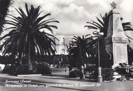 SCORRANO (Lecce) - Piazza Vittorio Emanuele II E Monumento Ai Caduti - Lecce