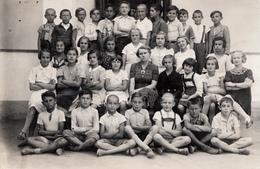 "SCHOOL CHILDREN , PHOTO ""MASIC"" - Personnes Anonymes"