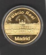 "SPAIN - MADRID  - Tourist Token-Souvenir - Palacio Real- Royal Palace + Sculpture ""oso Y Madroño"" (2 Scans) - Espagne"