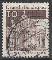 PIA - GERMANIA - 1967-69 : Edifici Storici - Padiglioni Dei Bastioni Circostanti Il Palazzo Zwinger A Dresda - (Yv 391) - Monumenti