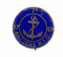 Insigne.7e Ancien R.I.C..37 - 57.émaillé Bleu Marine. - Marine