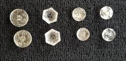 BOUTON : Lot De 8 Boutons En Verre Blanc EN PAIRE  Forme Divers Rond Exagonal Fleur étoile .....  ( Bouton  ) - Boutons