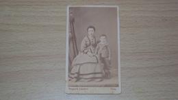 ANTICA FOTO CARTONATA FOTOGRAFO SCHONFELD UDINE MISURA CM. 10,5  X 6 - Antiche (ante 1900)