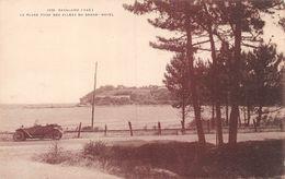 Cavalaire - La Plage Prise Des Allées Du Grand Hotel - Oldtimer - Cavalaire-sur-Mer