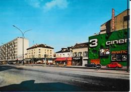 LE BOURGET CARREFOUR JEAN-JAURES,CINEMA ,COMMERCES,IMMEUBLES,VW COCCINELLE   ,COULEUR  REF 62633 - Le Bourget