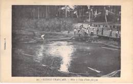 Ex CONGO FRANCAIS - Mise à L'eau D'une Pirogue / Launching Of A Pirogue- CPA - Afrique Noire / Black Africa - Congo Francese - Altri