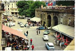 35 St Malo Porte St Vincent Place Chateaubriand Vieilles Voitures Animée - Saint Malo
